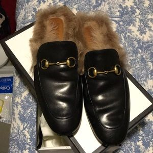 Gucci Shoes - Men's Gucci Black Leather Slippers w/ Fur